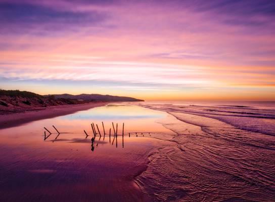低照片的海滨高清壁纸