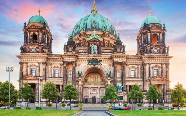 壁纸草坪,柏林,人类发展报告,宫殿,寺庙,圆顶,德国,柏林大教堂,树木,建筑,人行道