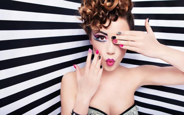 手,看,修指甲,睫毛,背景,阴影,脸,头发,化妆,女孩,卷发,嘴唇,模型