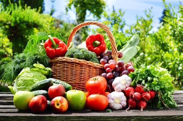 壁纸辣椒,西红柿,萝卜,蔬菜,大自然,卷心菜,黄瓜,水果,篮子,大蒜,苹果,葡萄