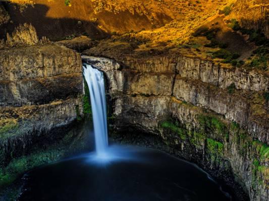 华盛顿帕洛斯瀑布,峡谷,瀑布,岩石,石头,美国