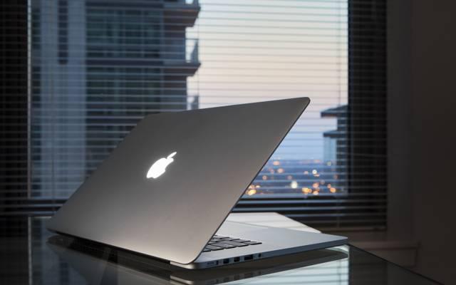 笔记本电脑,桌子,窗口,苹果,Macbook Pro视网膜
