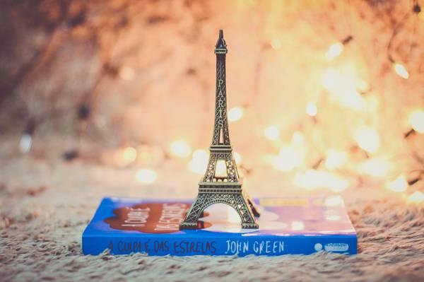 玩具,埃菲尔铁塔,书