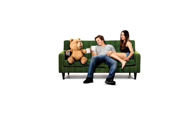 沙发,熊,马克·沃尔伯格,美穗,泰德,第三轮米拉·库妮丝