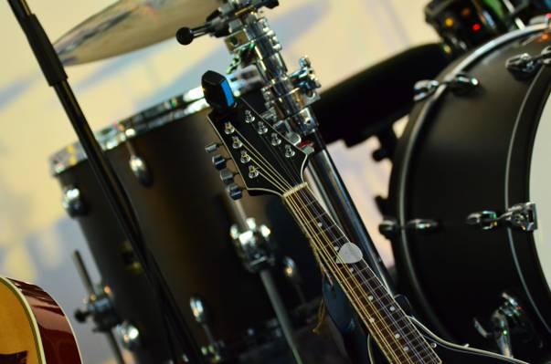 黑色和灰色的吉他8弦吉他高清壁纸